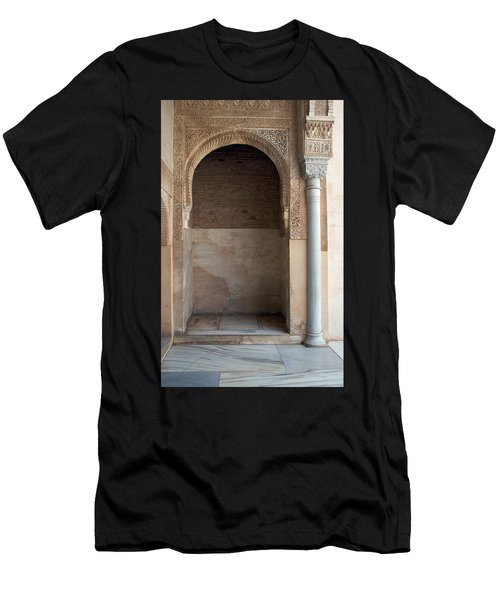Ornate Arch And Pillar Men's T-Shirt (Athletic Fit)