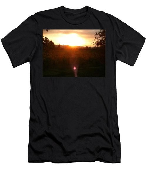 Russian River Sunrise Men's T-Shirt (Athletic Fit)