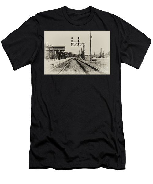 Salisbury North Carolina Depot Men's T-Shirt (Athletic Fit)