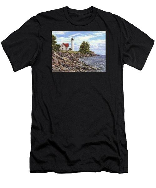 Tibbetts Point Lighthouse Men's T-Shirt (Athletic Fit)