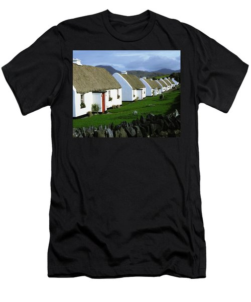 Tullycross, Co Galway, Ireland Holiday Men's T-Shirt (Athletic Fit)