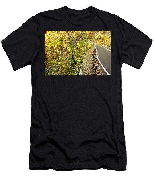 W Road In Autumn Men's T-Shirt (Athletic Fit)