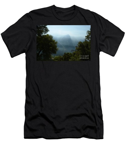 Yosemite Falls Hike Men's T-Shirt (Athletic Fit)