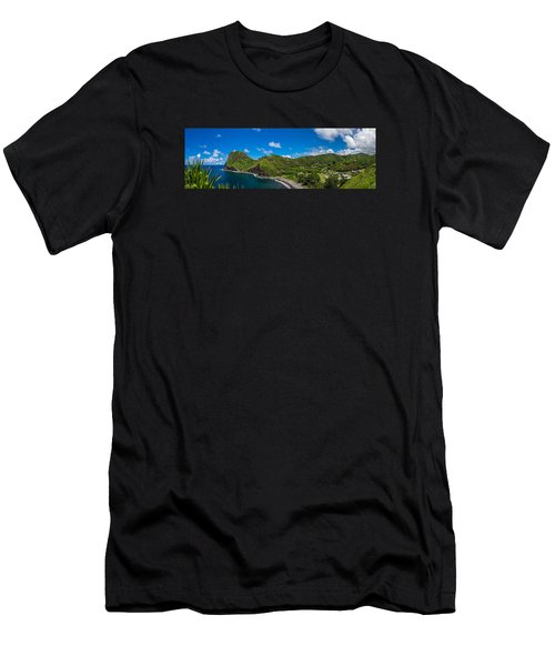 Kahakuloa Head Maui Hawaii Men's T-Shirt (Athletic Fit)