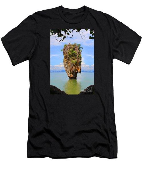 007 Island Men's T-Shirt (Athletic Fit)