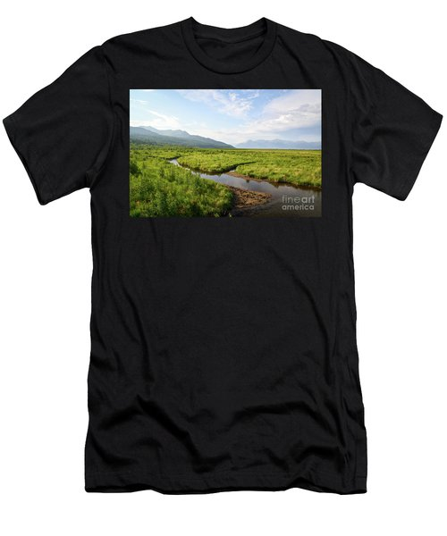 Alaskan Valley Men's T-Shirt (Athletic Fit)