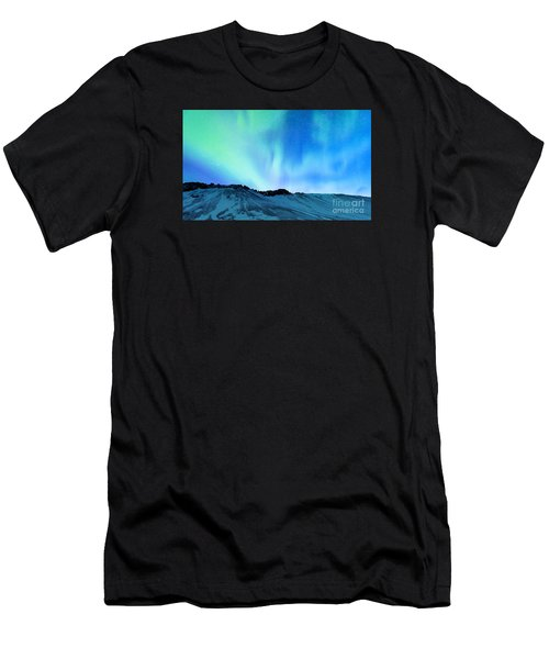 Amazing Northern Light Men's T-Shirt (Athletic Fit)