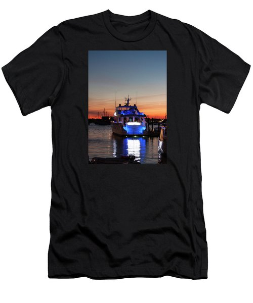 Men's T-Shirt (Slim Fit) featuring the photograph An Evening In Newport Rhode Island by Suzanne Gaff