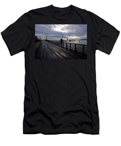 Astoria-megler Bridge 4 Men's T-Shirt (Athletic Fit)