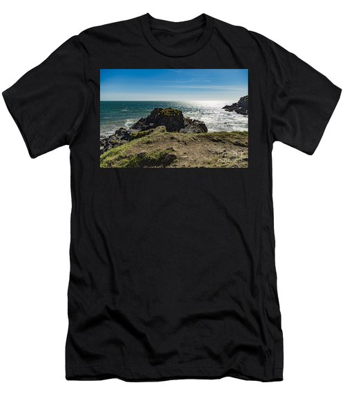 Cadgwith Cove Men's T-Shirt (Athletic Fit)