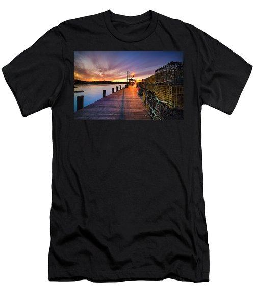 Cape Porpoise Men's T-Shirt (Athletic Fit)
