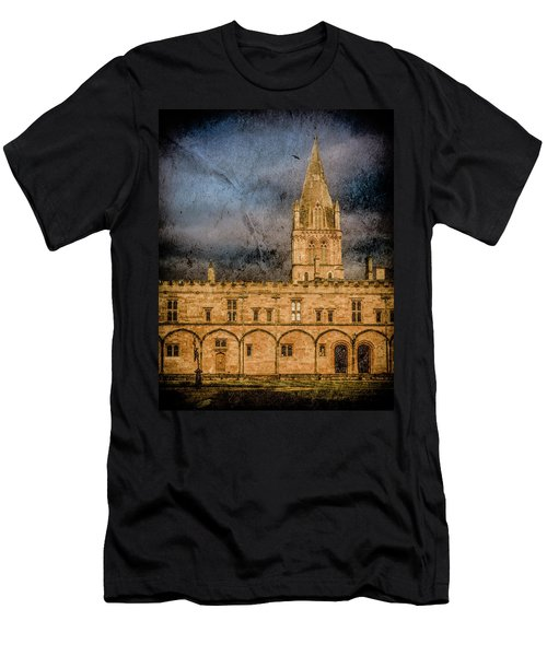Oxford, England - Christ Church College Men's T-Shirt (Athletic Fit)