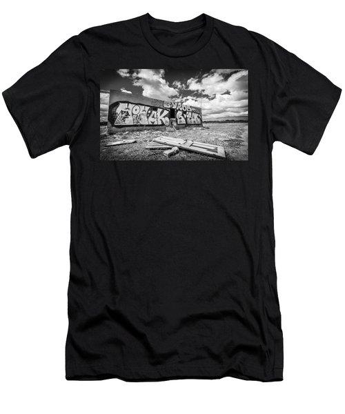 Derelict Building. Men's T-Shirt (Athletic Fit)