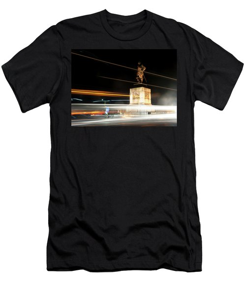 Drake's Statue Traffic Trails Iv Men's T-Shirt (Athletic Fit)