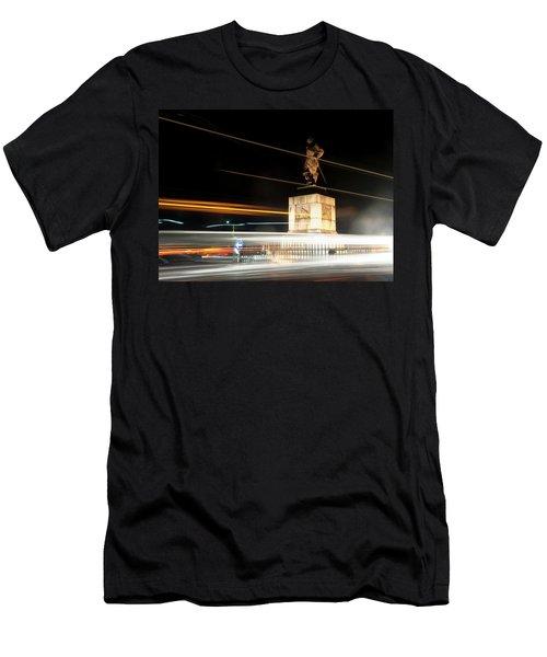 Drake's Statue Traffic Trails Iv Men's T-Shirt (Athletic Fit)