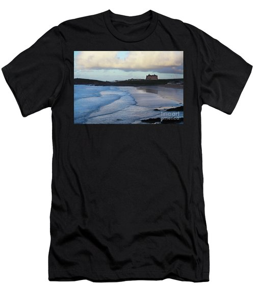 Fistral Beach Men's T-Shirt (Athletic Fit)