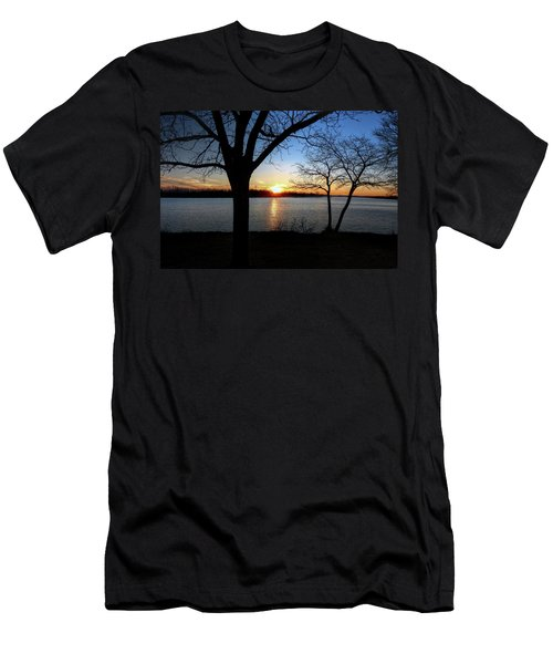 Ford Lake Sunset Men's T-Shirt (Athletic Fit)