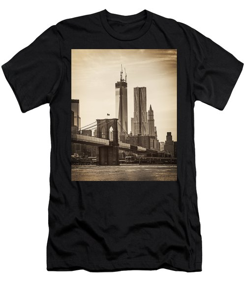 Freedom Tower Rising Men's T-Shirt (Athletic Fit)