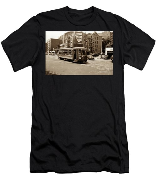 Inwood Trolley Men's T-Shirt (Athletic Fit)