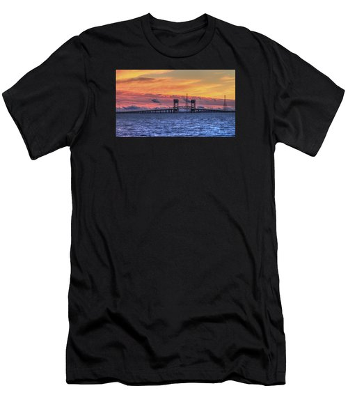 James River Bridge Men's T-Shirt (Athletic Fit)