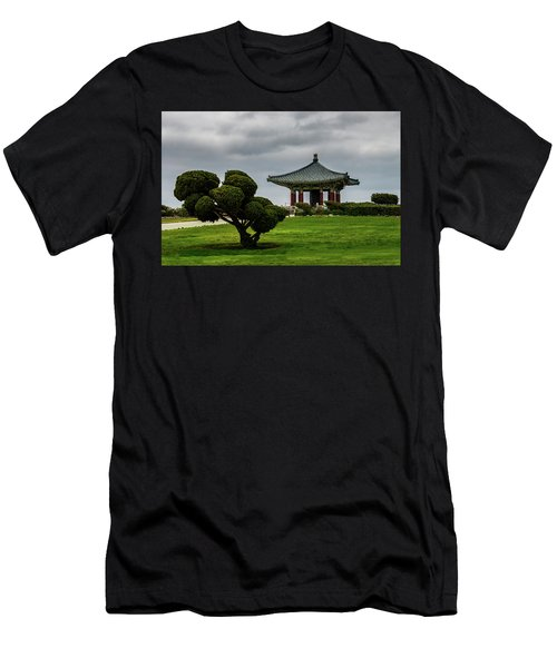 Korean Bell Of Friendship Men's T-Shirt (Athletic Fit)