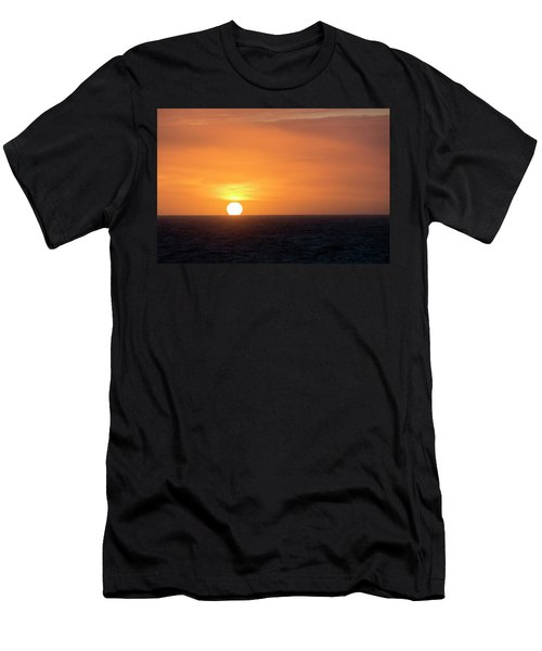 Meeting The Horizon Men's T-Shirt (Athletic Fit)