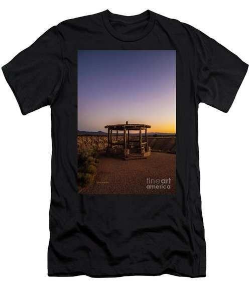 Cathedral Gorge Gazebo Men's T-Shirt (Athletic Fit)