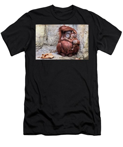 Mom And Baby Orangutan Men's T-Shirt (Athletic Fit)