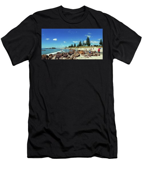 Mount Maunganui Beach 6 - Tauranga New Zealand Men's T-Shirt (Athletic Fit)