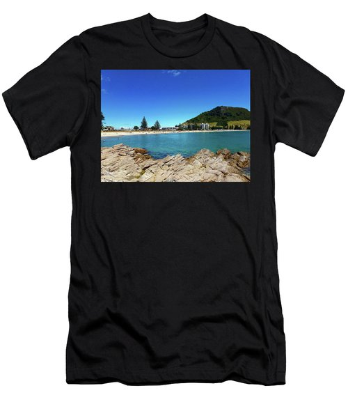 Mt Maunganui Beach 9 - Tauranga New Zealand Men's T-Shirt (Athletic Fit)