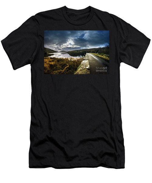 Road To Snowdon Men's T-Shirt (Athletic Fit)