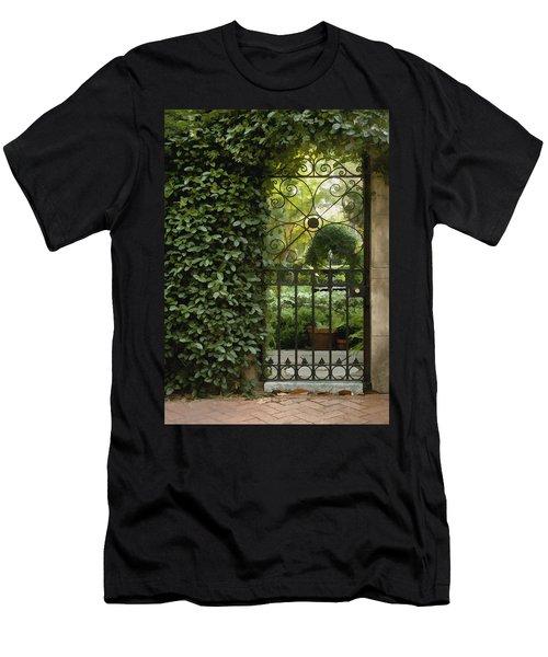 Savannah Gate Men's T-Shirt (Athletic Fit)