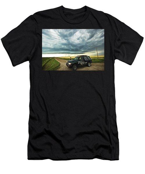 Shelf Cloud Near Vibank Sk. Men's T-Shirt (Athletic Fit)