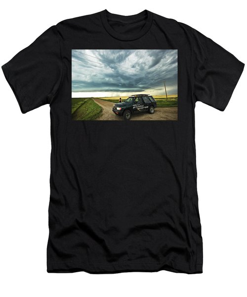 Shelf Cloud Near Vibank Sk. Men's T-Shirt (Athletic Fit)