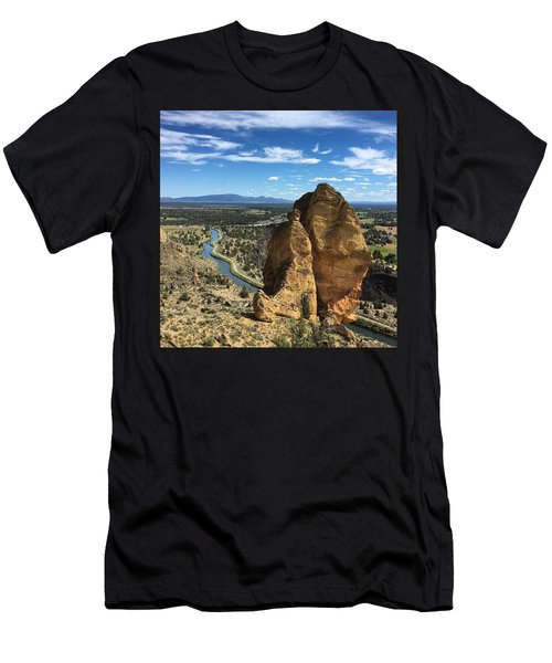 Smith Rocks Men's T-Shirt (Athletic Fit)