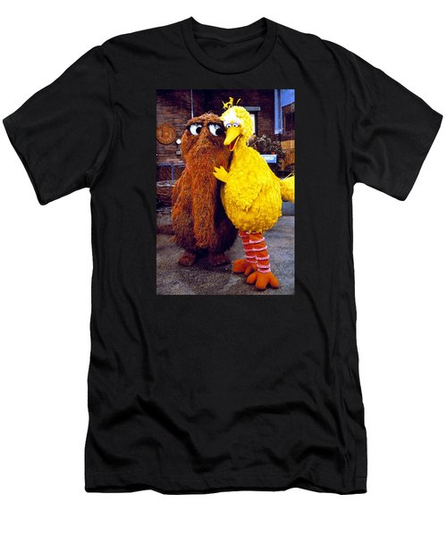 Snuffleupagus Men's T-Shirt (Athletic Fit)