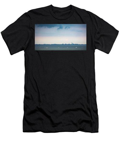 Solent Skies Men's T-Shirt (Athletic Fit)