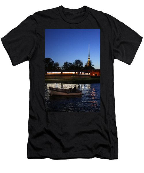 St.petersburg At Night Men's T-Shirt (Athletic Fit)