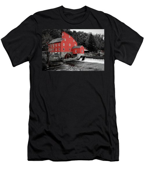 The Clinton Mill Men's T-Shirt (Athletic Fit)
