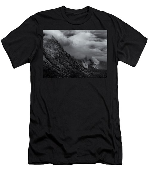 Yosemite Valley Panorama In Black And White Men's T-Shirt (Athletic Fit)