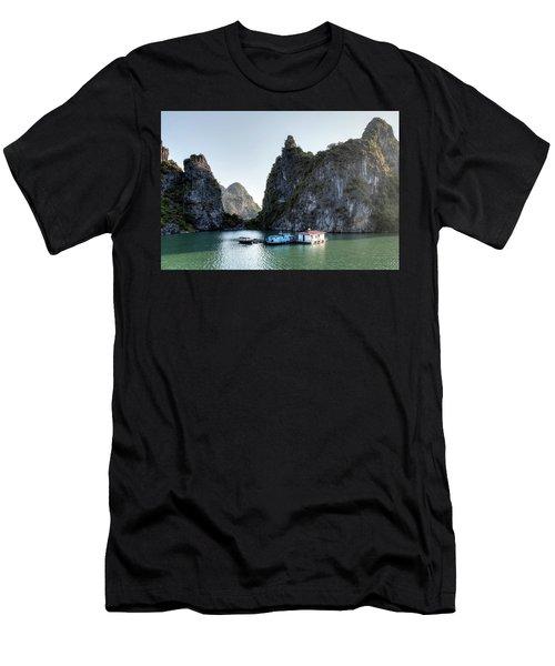Halong Bay - Vietnam Men's T-Shirt (Athletic Fit)