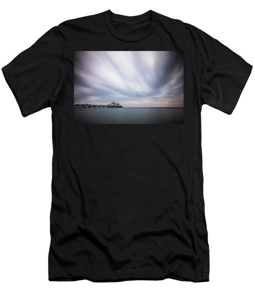 10 Minute Exposure Of Eastbourne Pier Men's T-Shirt (Athletic Fit)