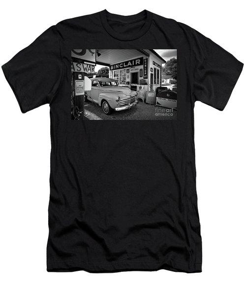 Old 66 Men's T-Shirt (Athletic Fit)