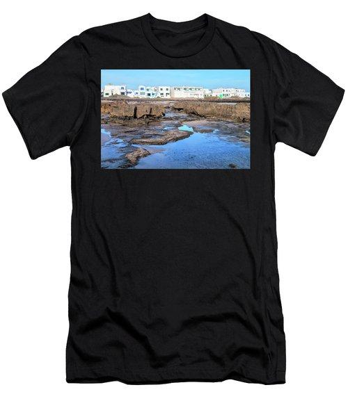 Famara - Lanzarote Men's T-Shirt (Athletic Fit)