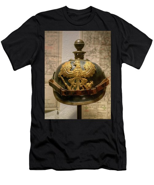1915 Prussian Artillery Spiked Pickelhaube Helmut Men's T-Shirt (Athletic Fit)