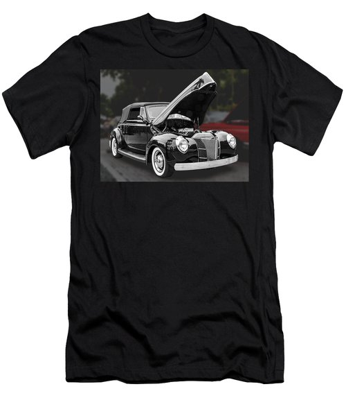 1940 Ford Deluxe Automobile Men's T-Shirt (Athletic Fit)