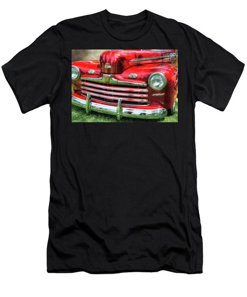 1946 Ford 2 Door Super De Luxe Coupe Men's T-Shirt (Athletic Fit)