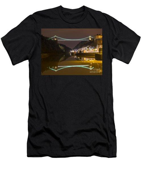 Clifton Suspension Bridge, Bristol. Men's T-Shirt (Athletic Fit)