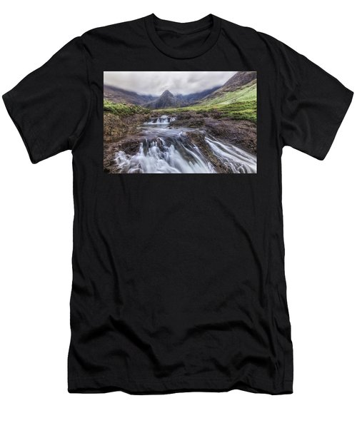 Fairy Pools - Isle Of Skye Men's T-Shirt (Athletic Fit)