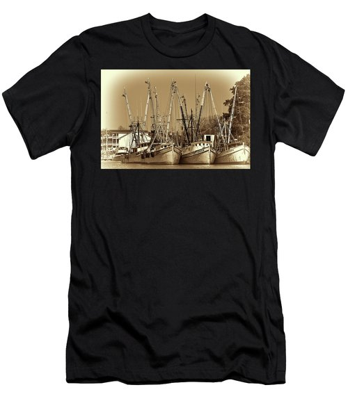 Georgetown Shrimpers Men's T-Shirt (Athletic Fit)